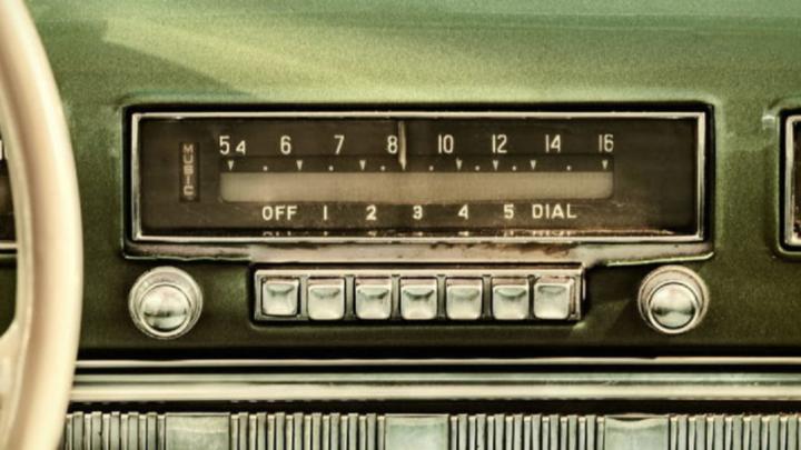 EN EL AUTOMÓVIL, DONDE MÁS SE ESCUCHA LA RADIO EN MÉXICO