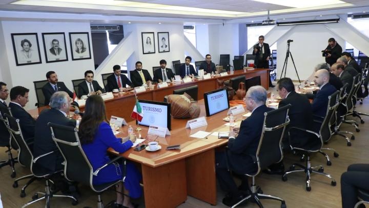 SE REÚNE EL SECRETARIO DE TURISMO CON EL MINISTRO DE ECONOMÍA DE LOS EMIRATOS ÁRABES UNIDOS
