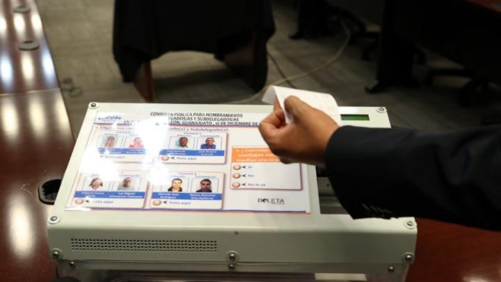 DISEÑAN URNA ELECTRÓNICA PARA COMICIOS ELECTORALES