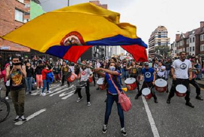 LA CRISIS EN COLOMBIA ES ESTRUCTURAL Y PROFUNDA, SU RESOLUCIÓN ES INCIERTA